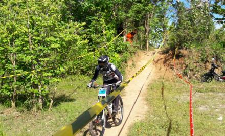 Salah satu peserta Downhill